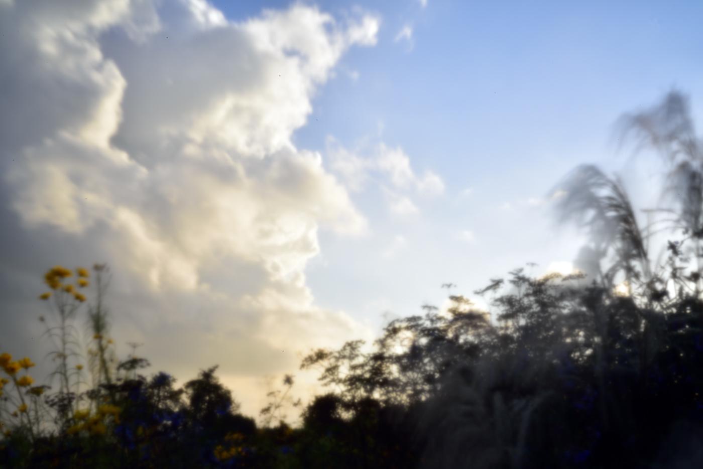 Ausgerechnet bei schnell ziehenden Wolken darf die Belichtungszeit nicht zu lang werden